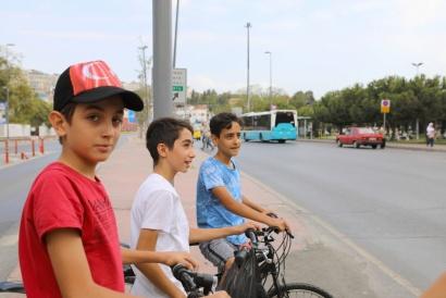 Istanbul Turkey 2017 Asian Side  ( Guys / Street )