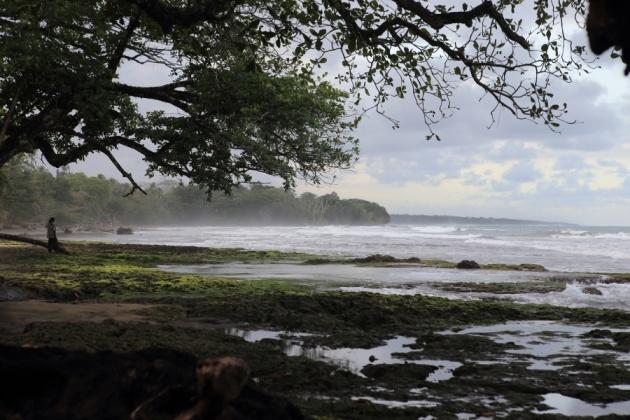 Puerto Viejo de Talamanca Costa Rica - Playa Salsa Brava 2016