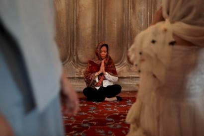 Istanbul Turkey  2017 Prayer / Blue Mosque